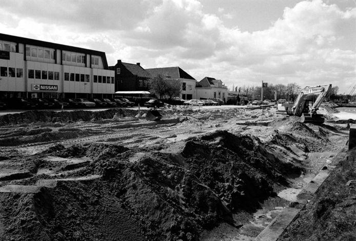 Een deel van de Willemsvaart wordt gedempt in 1996.