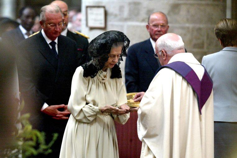 Danneels in 2003 met koningin Fabiola en koning Albert II tijdens een herdenkingsviering voor het overlijden van koning Boudewijn in 1993.
