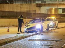 Bestuurder rijdt Mercedes in de prak in Schiedam
