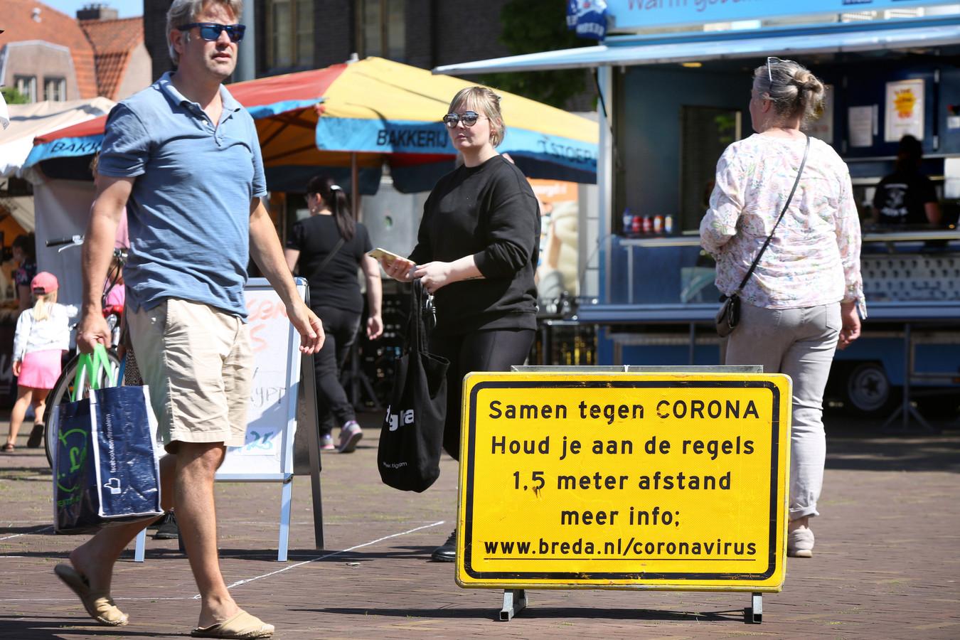 Waarschuwingsborden in Breda.