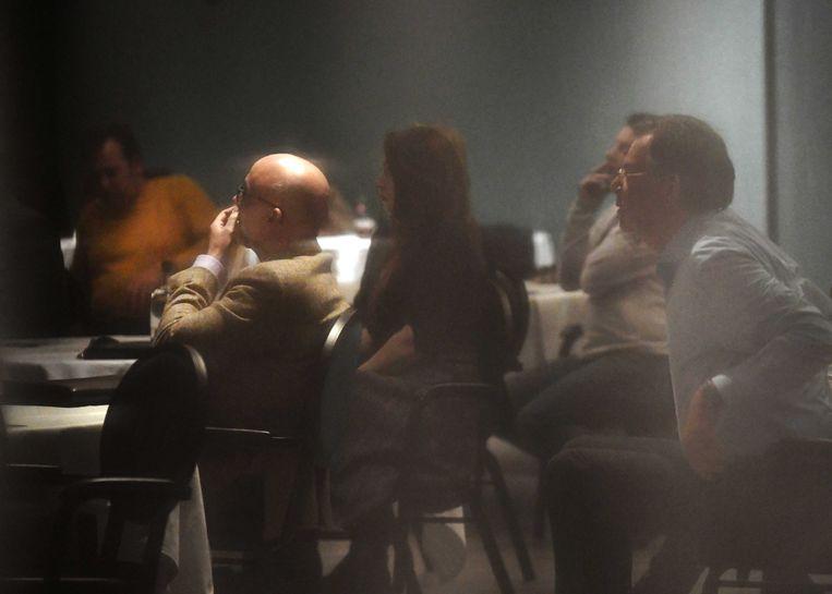 Leden van Forum voor Democratie tijdens een crisisberaad in Tiel. Beeld ANP
