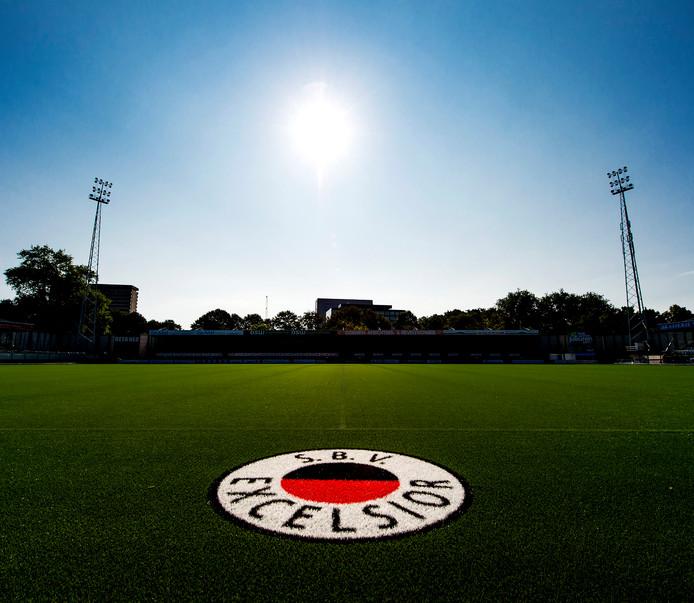 De middenstip van stadion Woudestein van voetbalclub Excelsior.