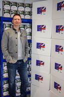 Ondernemer James Blake is met zijn bedrijf ingesprongen op de angst onder de bevolking en biedt noodrantsoenen aan. De brexitdozen kosten omgerekend 340 euro.