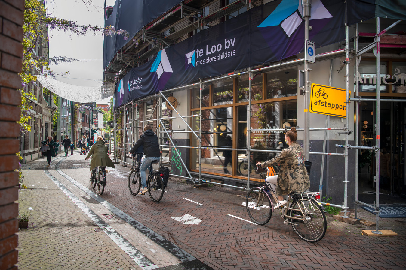 Fietsers in de binnenstad van Apeldoorn.