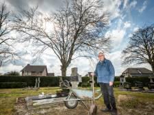 De boom die bijna 145 jaar begrafenissen zag, is nu zelf stervende: 'Mensen zijn eraan gehecht geraakt'