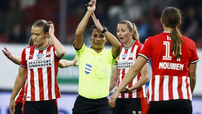 Bizar: PSV'er appelleert voor hands en krijgt zélf een penalty tegen
