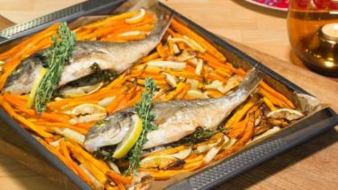 Gegrilde goudbrasem met wortel en zoete aardappel uit de oven en dilledressing