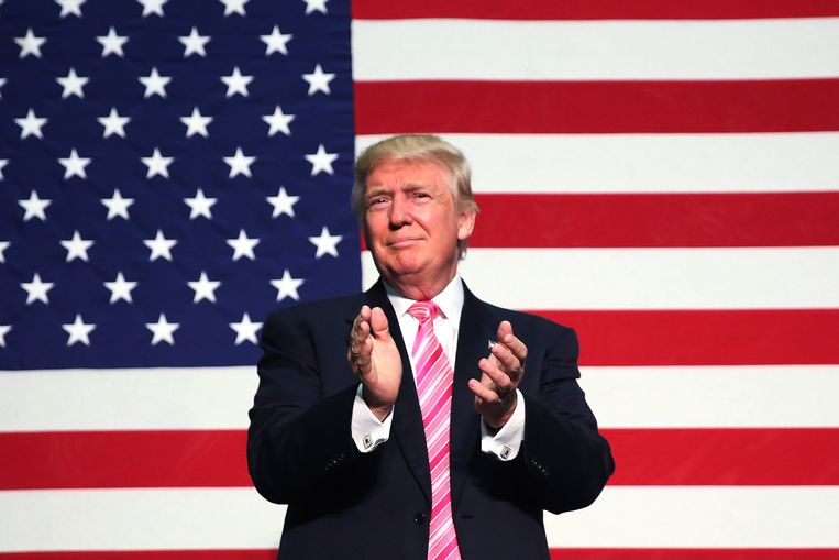 Donald Trump tijdens een verkiezingsbijeenkomst in Fredericksburg, Virginia. Ook in deze 'battleground'-staat gaat Clinton flink op kop in de peilingen. Beeld REUTERS
