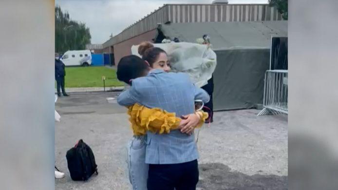 Emotioneel weerzien bij terugkeer uit Afghanistan