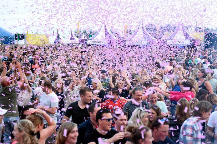 Festival 90's on the beach in Woerden.