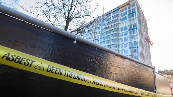 Bejaarde bestuurders van Apeldoornse 'asbestflat' krijgen taakstraf: 'Gezondheid van klusjesman én bewoners in gevaar gebracht'