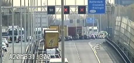 Flinke vertraging op A20 door twee ongelukken
