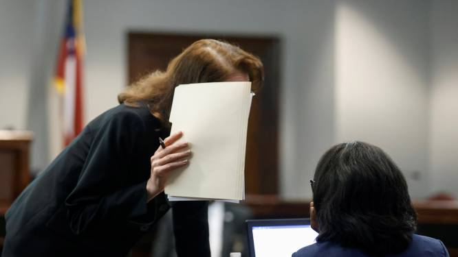 Man die vastzit wegens aanranding stiefdochters beraamt vanuit cel huurmoord op ex-vrouw