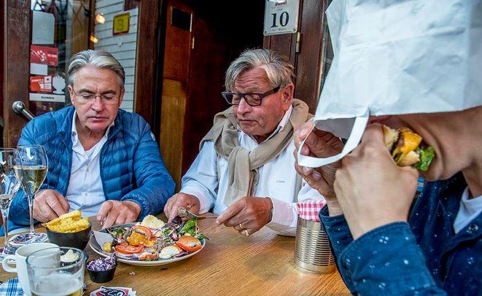 Hans Verhoeven, Jan de Kort en Culisjors testen burgers.
