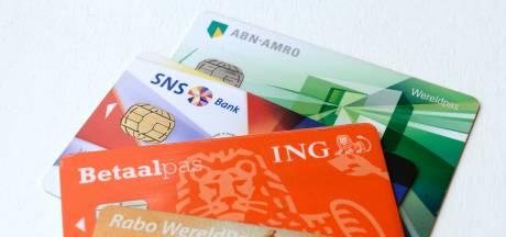 Rabobank en ABN laten klant dokken voor verlies bankpas