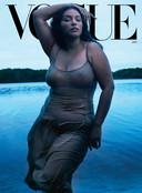 Paloma Elsesser op de cover van Vogue