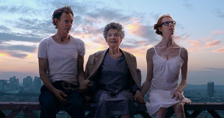 Hoofdrolspelers Dominique Abel, Emmanuelle Riva en Fiona Gordon. Beeld rv