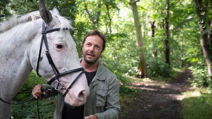 """De warmste vakantieplek van Vlaanderen, met zanger Peter Vanlaet: """"In alle rust paardrijden aan Putse Heerkenshoeve"""""""