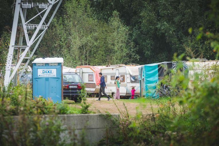 De Roma mogen maximum nog een jaar blijven op het terrein van De Lijn in Wondelgem.