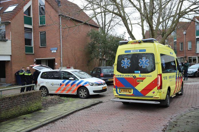 De twee Hagenaars kregen ruzie op de Puccinistraat in Den Haag en staken elkaar met messen.