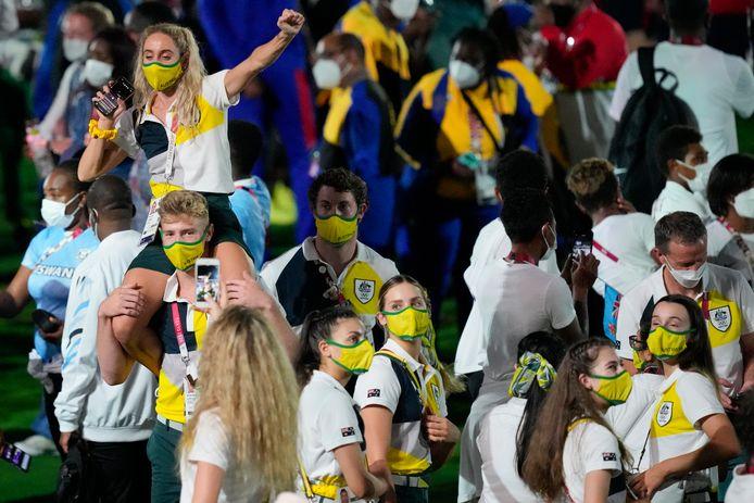 Atleten van Australië tijdens de sluitingsceremonie van de Spelen.