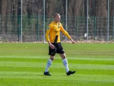 Jan Paul van Hecke uit Arnemuiden debuteert in betaald voetbal met klinkende zege NAC