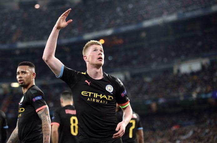 Triomferend in het Bernabéu na zijn omgezette penalty in de achtste finales van de Champions League.