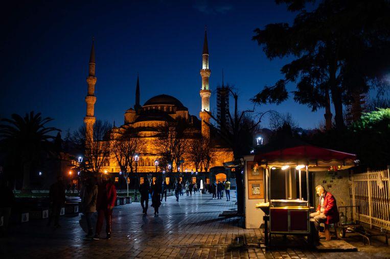 """De Blauwe Moskee in Istanbul. Çöre: """"Veel moslims beschouwen ons bestaan als een belediging: wij verwerpen hun God."""
