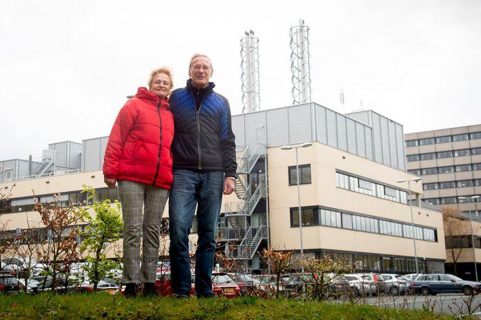 Hans en Roos Bruggenweerth zijn opgelucht: de oordopjes hoeven niet meer in.