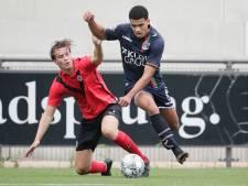 NEC wordt afgeschminkt door amateurs van AFC in Amsterdam
