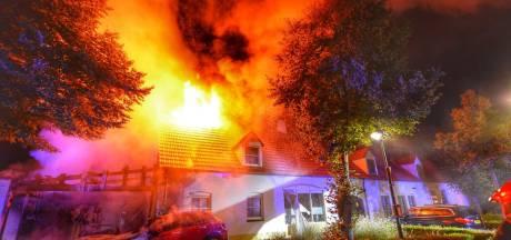 Slapeloze nacht door brand in de Weebosch: vermoeden van opzet