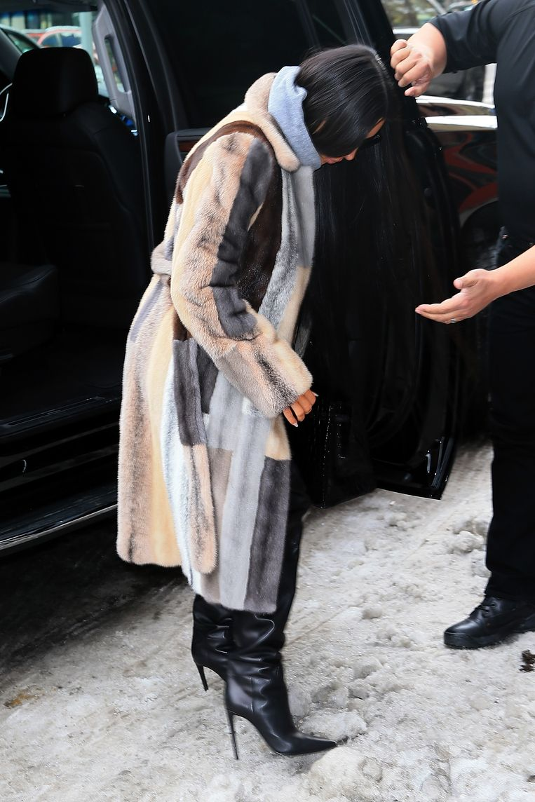 Kim Kardashian in de sneeuw. Beeld GC Images
