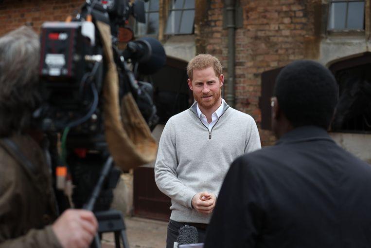 Prins Harry kondigt de geboorte aan van het zoontje van hem en zijn echtgenote, prinses Meghan. Beeld Photo News