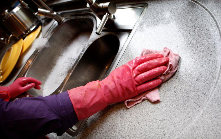 Het gaat vaak om mensen zonder verblijfsstatus die in de schoonmaak of in restaurants werkten. Beeld ANP XTRA