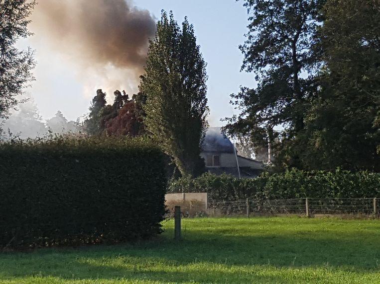 De brandweer liet het huis van Louis Verheye gecontroleerd uitbranden.