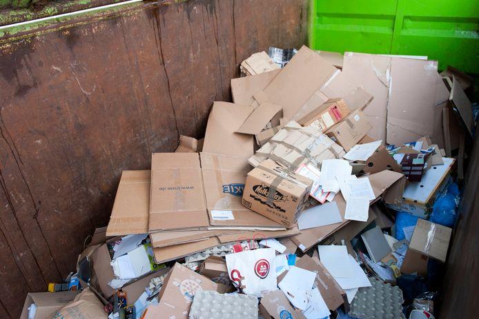 Om diverse redenen moet de gemeente Oldenzaal dit jaar flink bijleggen op de inzameling van oud papier in de stad.