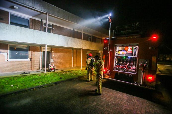 De molotovcocktail veroorzaakte brand in een leegstaande woning. De schade viel mee.