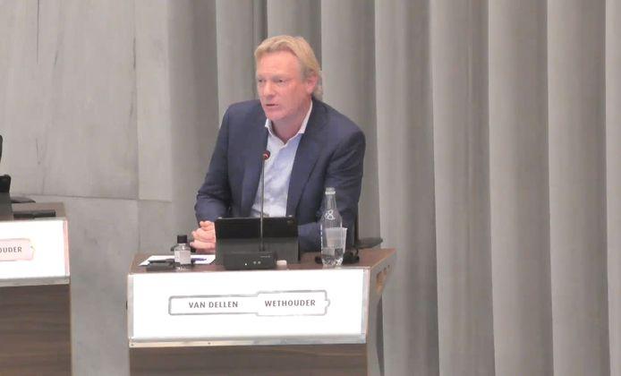 Wethouder Jan van Dellen tijdens het debat november vorig jaar over het discriminatierapport van professor Siebers van de Universiteit van Tilburg.