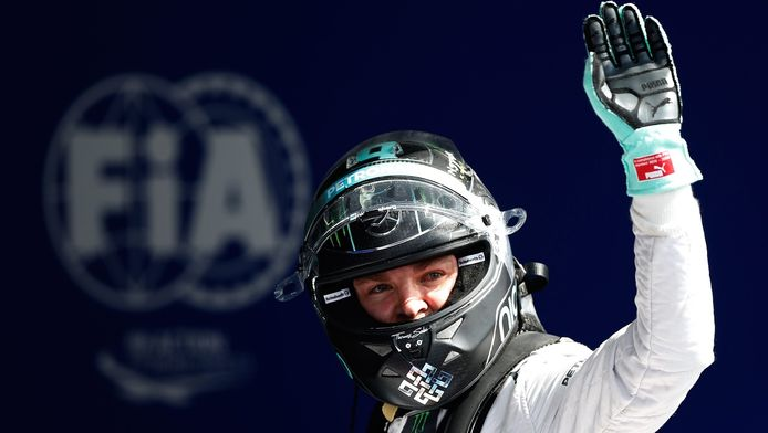 """""""C'est la piste la plus spéciale de l'année mais ce n'était pas aussi difficile que d'autres fois, car les conditions étaient quasiment les mêmes du début à la fin de la séance. Je suis très heureux"""", a dit Rosberg, qui n'avait jamais signé de pole position sur le toboggan des Ardennes."""
