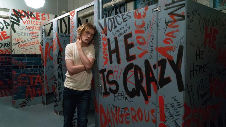 Words on Bathroom Walls met Charlie Plummer als de schizofrene tiener Adam.  Beeld