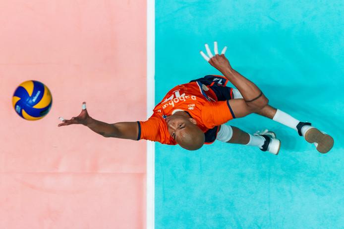 Nimir Abdelaziz in actie voor Nederland.