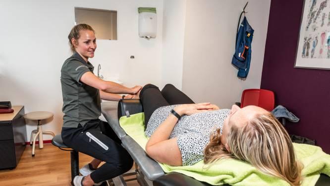 Behandeltafels van fysio's liggen vol nu iedereen weer fanatiek gaat sporten: 'Mensen beginnen ondoordacht'