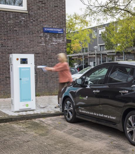 Laadpalen voor elektrische auto's steeds vaker overbezet