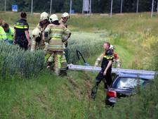 Auto belandt in sloot na ongeval op A6 bij Emmeloord