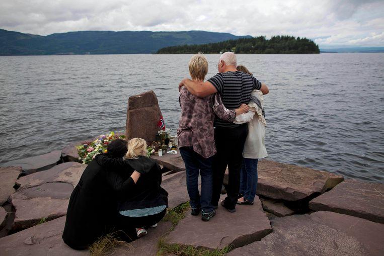 Het is precies tien jaar geleden dat de extreemrechtse massamoordenaar Anderes Behring Breivik een bomaanslag pleegde in het centrum van Oslo en daarna een bloedbad aanrichtte op Utoya, waar een jeugdkamp aan de gang was. Beeld AP