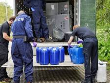 Vrachtwagen vol drugsafval en spullen uit drugslab gevonden in Udenhout