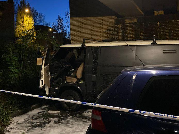 Twee wagens brandden uit in Gentbrugge.