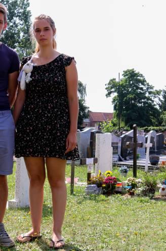 """Ouders Rani (23) en Michael (27) na diefstal aan graf van hun overleden zoontje: """"Breng alsjeblieft onze spullen terug"""""""