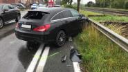 Vier auto's en vrachtwagen botsen op Staatsbaan