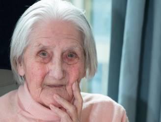 """""""Ze verzorgde gewonde soldaten tijdens Tweede Wereldoorlog"""": Leonora viert honderdste verjaardag"""